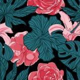 Τροπικά εξωτικά λουλούδια και φυτά με τα πράσινα φύλλα του φοίνικα Στοκ Εικόνα