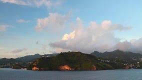 Τροπικά νησί και σύννεφα Clare Velley, Άγιος Vincent και Γρεναδίνες απόθεμα βίντεο