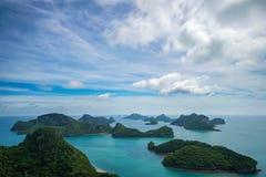 Τροπικά νησιά στο εθνικό θαλάσσιο πάρκο Angthong στην Ταϊλάνδη Στοκ φωτογραφίες με δικαίωμα ελεύθερης χρήσης