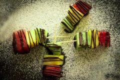 Τροπικά φρούτα σε ένα ραβδί στοκ φωτογραφίες με δικαίωμα ελεύθερης χρήσης