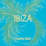 Τροπικά φύλλα φοινικών και καλλιγραφία Ibiza, νησί παραδείσου στο υπόβαθρο μπλε ουρανού, σύνθημα τυπογραφίας διανυσματική απεικόνιση