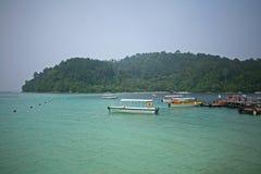 Τροπικές θάλασσες από το νησί Manukan Στοκ Εικόνα
