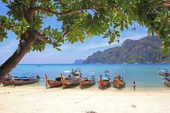 Τροπική παραλία, Phi phi νησί, Ταϊλάνδη Στοκ φωτογραφία με δικαίωμα ελεύθερης χρήσης