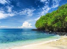 Τροπική παραλία. Νησί του Μπαλί, Ινδονησία Στοκ φωτογραφία με δικαίωμα ελεύθερης χρήσης
