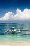 Τροπική παραλία. Νησί του Μπαλί, Ινδονησία Στοκ Φωτογραφία
