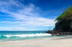 Τροπική παραλία. Νησί του Μπαλί, Ινδονησία Στοκ Εικόνα
