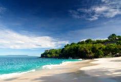 Τροπική παραλία. Νησί του Μπαλί, Ινδονησία Στοκ Εικόνες