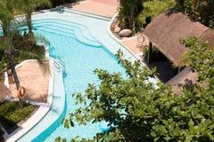 Τροπική πισίνα ξενοδοχείων παραθαλάσσιων θερέτρων στοκ φωτογραφίες με δικαίωμα ελεύθερης χρήσης