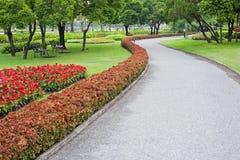 Τροπικός κήπος το καλοκαίρι στοκ φωτογραφία με δικαίωμα ελεύθερης χρήσης