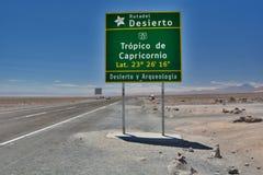 Τροπικός κύκλος του οδικού σημαδιού Αιγοκέρου SAN Pedro de Atacama Περιοχή Antofagasta Χιλή Στοκ εικόνες με δικαίωμα ελεύθερης χρήσης
