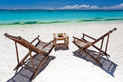 Τροπικός χαλαρώστε στην άσπρη παραλία Στοκ Εικόνες
