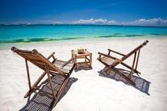 Τροπικός χαλαρώστε στην άσπρη παραλία Στοκ φωτογραφίες με δικαίωμα ελεύθερης χρήσης