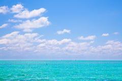 Τροπικός ωκεάνιος ουρανός Στοκ εικόνα με δικαίωμα ελεύθερης χρήσης