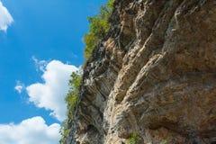 Τροπικός δύσκολος απότομος βράχος Στοκ φωτογραφίες με δικαίωμα ελεύθερης χρήσης