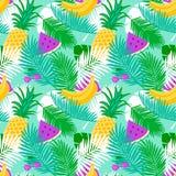 Τροπικό άνευ ραφής σχέδιο φρούτων με το floral υπόβαθρο χρώματος κρητιδογραφιών φύλλων ζουγκλών Στοκ εικόνες με δικαίωμα ελεύθερης χρήσης