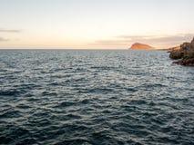 Τροπικό ηλιοβασίλεμα θάλασσας Στοκ Φωτογραφίες