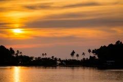 Τροπικό ηλιοβασίλεμα Koh Chang Στοκ εικόνες με δικαίωμα ελεύθερης χρήσης