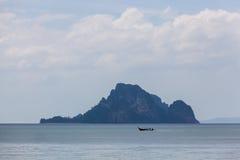 Τροπικό νησί κοντά στο AO Nang, Ταϊλάνδη Στοκ Φωτογραφίες