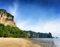 Τροπικό τοπίο. Επαρχία Krabi. Ταϊλάνδη Στοκ φωτογραφίες με δικαίωμα ελεύθερης χρήσης