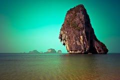 Τροπικό τοπίο παραλιών. Ταϊλάνδη Στοκ Φωτογραφίες