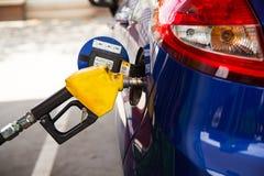 Τροφοδοτήστε με καύσιμα το αυτοκίνητό σας Στοκ Εικόνες