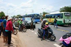 Τροχαίο ατύχημα, συντριφθε'ν αυτοκίνητο, μοτοσικλέτα Στοκ Εικόνα