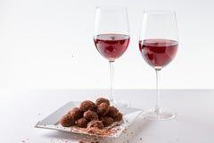 Τρούφες σοκολάτας με το κόκκινο κρασί Στοκ φωτογραφίες με δικαίωμα ελεύθερης χρήσης