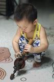 Τρυπάνι μικρών παιδιών!! Στοκ φωτογραφία με δικαίωμα ελεύθερης χρήσης