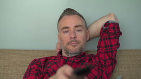 Τρυπημένα μεταβαλλόμενα κανάλια ατόμων απόθεμα βίντεο