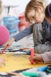 Τρυπημένο κορίτσι στο σχολείο Στοκ εικόνες με δικαίωμα ελεύθερης χρήσης