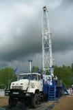 τρυπώντας με τρυπάνι πλατφόρμα άντλησης πετρελαίου βιομηχανίας Στοκ εικόνες με δικαίωμα ελεύθερης χρήσης