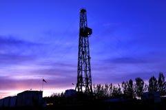 τρυπώντας με τρυπάνι πύργο&sigma Στοκ εικόνα με δικαίωμα ελεύθερης χρήσης