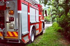 Τρυφερό κόκκινο αυτοκίνητο πυρκαγιάς και διάσωσης Seyshelles πίσω από την άποψη Στοκ Φωτογραφία