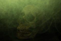 Τρόμος πυρκαγιάς κρανίων και τέρας καπνού Στοκ Φωτογραφίες