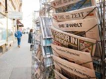 Τρόμος στον τίτλο τίτλων του Λονδίνου στο περίπτερο Τύπου μετά από το Λονδίνο Atta Στοκ Φωτογραφίες
