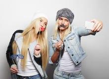 Τρόπος ζωής, ευτυχία, συναισθηματική και έννοια ανθρώπων: hipster δύο Στοκ Εικόνες