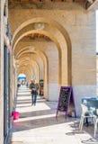 Τρόπος περιπάτων αψίδων στη Μασσαλία, Γαλλία Στοκ φωτογραφία με δικαίωμα ελεύθερης χρήσης