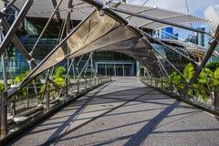 Τρόπος περιπάτων στη γέφυρα ελίκων στη Σιγκαπούρη στοκ εικόνες