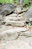 τρόπος πετρών σκαλοπατιών Στοκ φωτογραφία με δικαίωμα ελεύθερης χρήσης