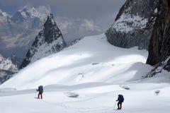 τρόπος ρωγμών ορειβατών στοκ εικόνες με δικαίωμα ελεύθερης χρήσης
