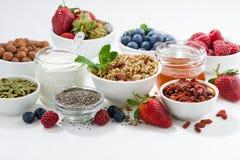 Τρόφιμα για την υγιή διατροφή και τα φρέσκα μούρα στοκ φωτογραφία με δικαίωμα ελεύθερης χρήσης