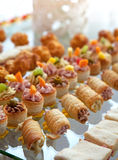 Τρόφιμα για το κοκτέιλ στη δεξίωση γάμου Στοκ Εικόνα
