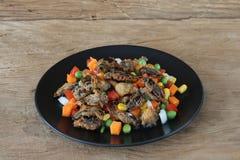 Τρόφιμα εντόμων Τηγανισμένοι γρύλοι με τη σαλάτα στοκ φωτογραφία με δικαίωμα ελεύθερης χρήσης