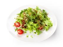 Τρόφιμα εστιατορίων που απομονώνονται - σαλάτα μιγμάτων μαρουλιού με το κεράσι tomatoe Στοκ εικόνες με δικαίωμα ελεύθερης χρήσης