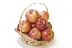τρόφιμα καλαθιών μήλων Στοκ φωτογραφίες με δικαίωμα ελεύθερης χρήσης
