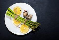 τρόφιμα μπουλεττών ανασκόπησης πολύ κρέας πολύ Στοκ Φωτογραφία