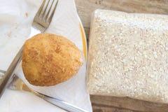 Τρόφιμα οδών με το τηγανισμένο arancini Στοκ εικόνα με δικαίωμα ελεύθερης χρήσης