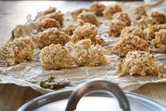 Τρόφιμα οδών Προετοιμασία του σισιλιάνου arancine Στοκ εικόνα με δικαίωμα ελεύθερης χρήσης