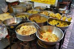 Τρόφιμα οδών σε Chinatown Μπανγκόκ Στοκ Φωτογραφίες