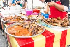Τρόφιμα οδών bazaar στη Μαλαισία για iftar κατά τη διάρκεια της νηστείας Ramadan Στοκ εικόνα με δικαίωμα ελεύθερης χρήσης